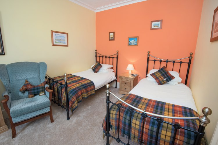 sydney house b&b cromarty - sutor bedroom