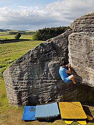 Outdoor bouldering (2 hour) session