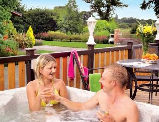 choose a luxury log cabin with hot tub