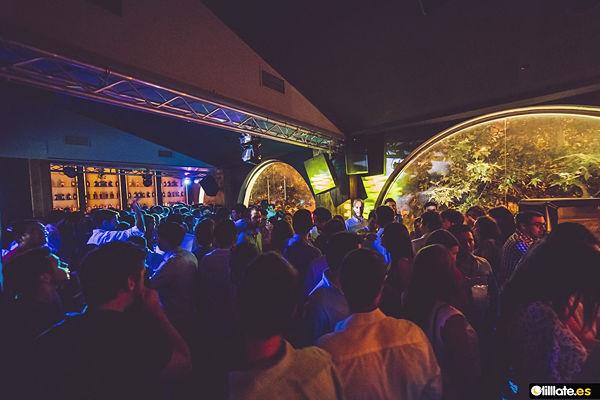 Interior de la discoteca B12 Madrid