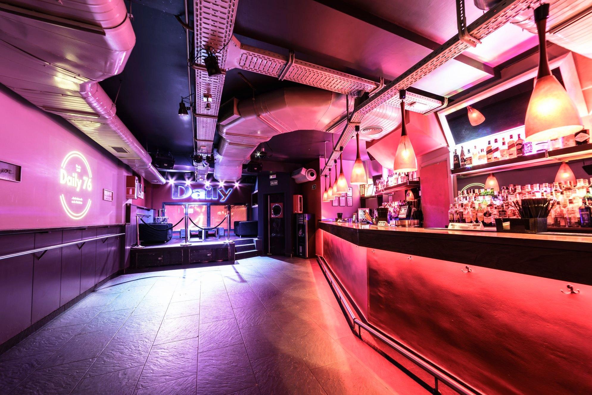Interior del Local Bar Daily
