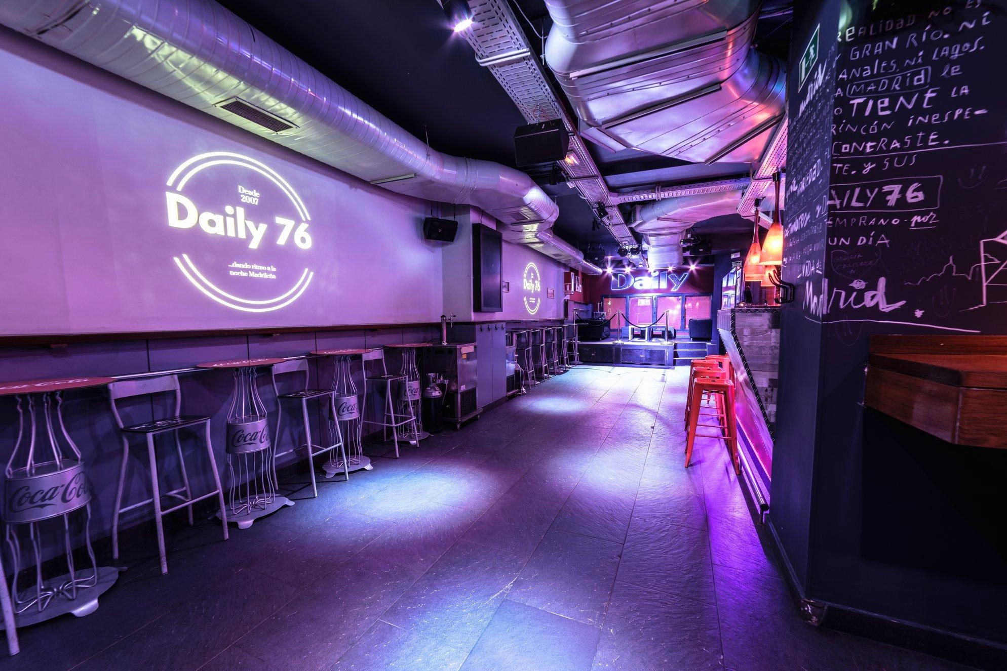 Fotos de la zona primcipal del bar