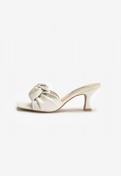 Inuovo Mules Leather white