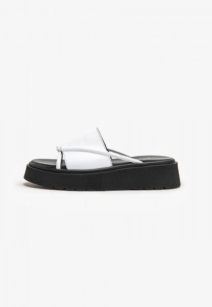Inuovo Mules Leather Black / White