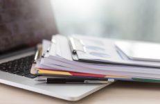 أهمية قراءة الشروط والأحكام قبل توقيع عقد التمويل