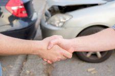 ما هو الفرق بين وثيقة التأمين الإلزامي والتأمين الشامل؟