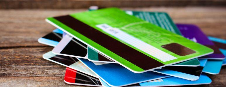البطاقات المصرفية