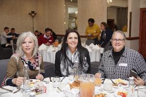 Linda Jones, Wilna Savio Nicole Baumgarten (Broll)