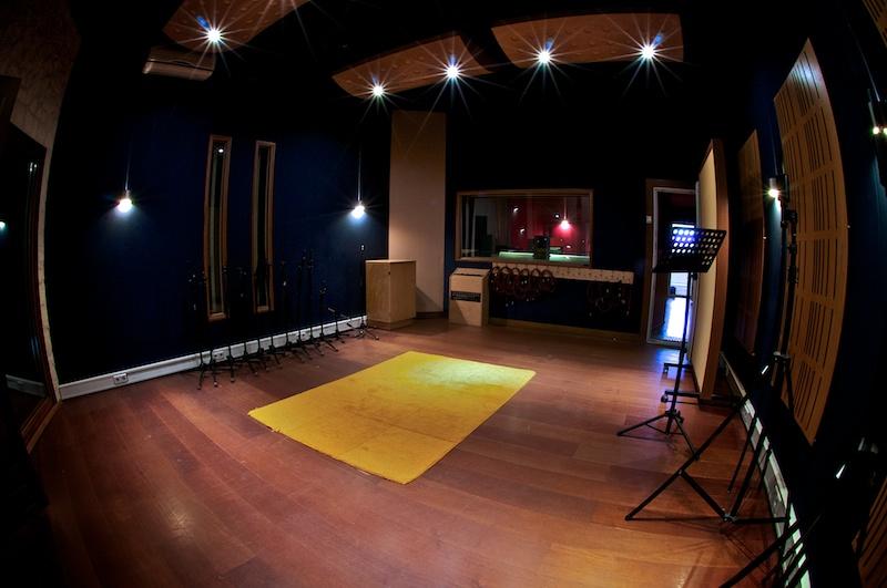 Facilities sae institute amsterdam for Recording studio live room design