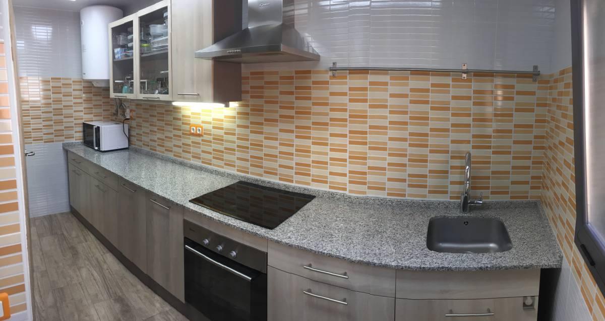 Foto 5 - Casa adosada en Reus con 3 pisos independientes