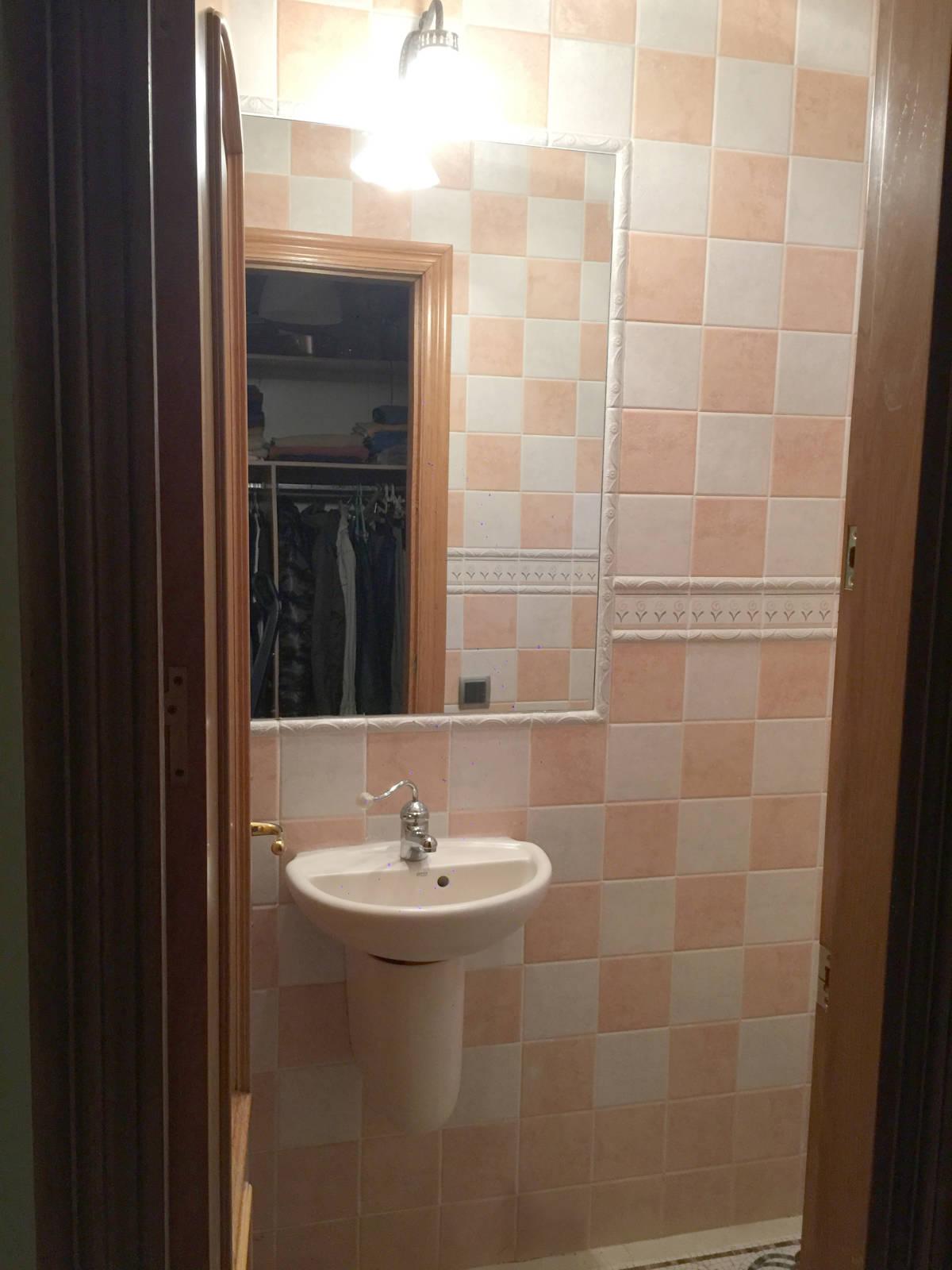 Foto 10 - Casa adosada en Reus con 3 pisos independientes
