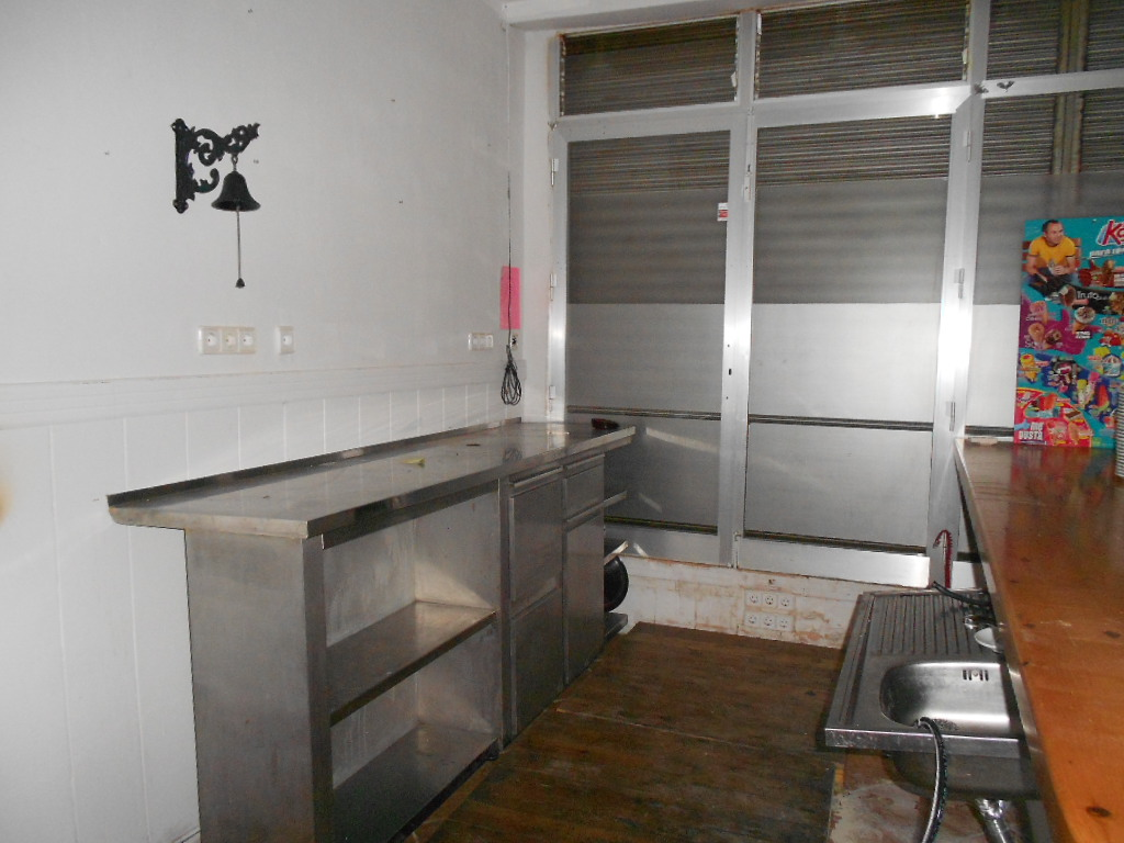Foto 4 - Local de 75 m2 en venta