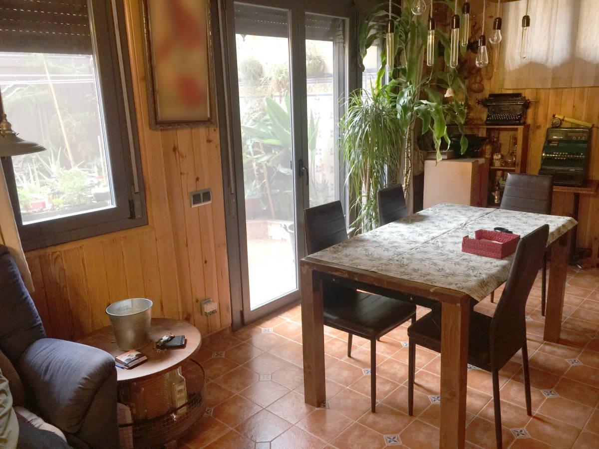 Foto 16 - Casa adosada en Reus con 3 pisos independientes