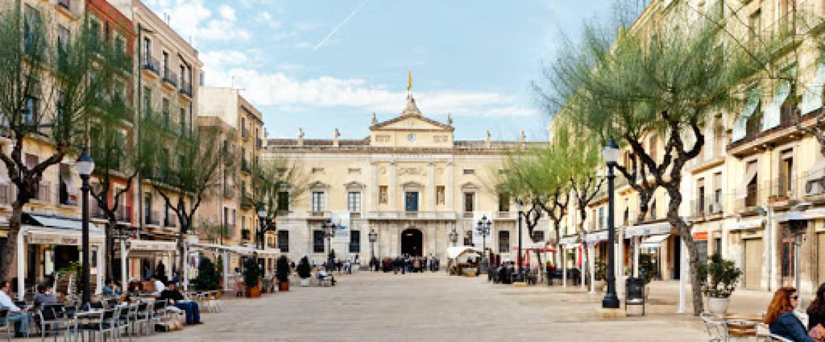 Foto 1 - Restaurante en traspaso en Tarragona