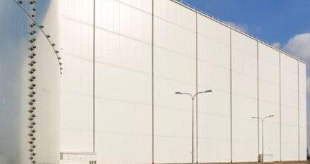 Jak zapewnić najlepszą izolacyjność cieplną i szczelność powietrzną w budynkach z płyt warstwowych