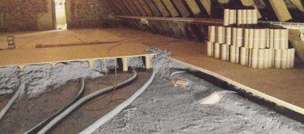 Maszyny X-floc do wdmuchiwania sypkich izolacji w ściany i stropy