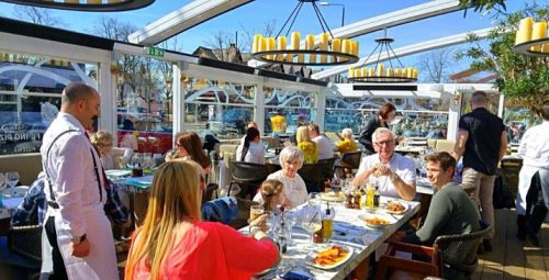 San-Carlo-Flying-Pizza-dining-terrace