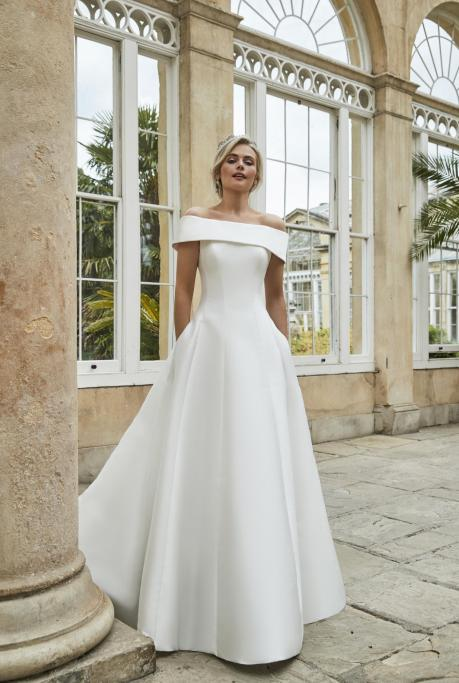 Image of Julia Tasker - Collection Preview