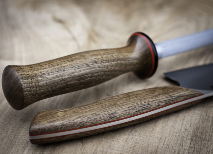 Matching honing steel and knife