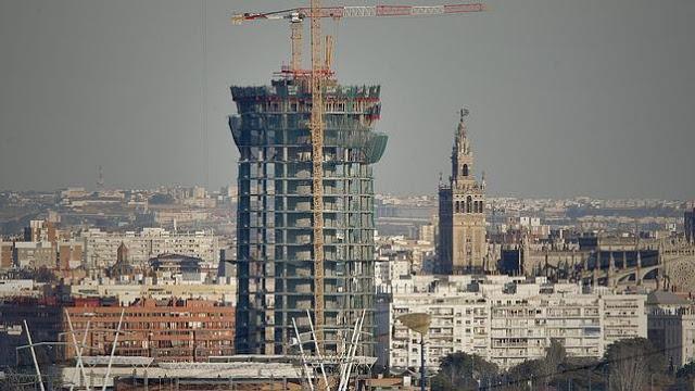 (135) SEVILLA, LA UNESCO Y LA TORRE PELLI