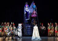 Français - Benjamin Prins met en scène un brillant Fantasio d'Offenbach pour Opera Zuid