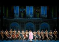 Français - Reprise de La Fille du régiment selon Shirley et Dino à l'Opéra Confluence d'Avignon