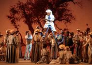 Français - Un charmant Elixir d'amour de Donizetti au Théâtre du Capitole