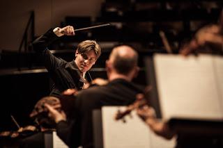 Entretien : Klaus Mäkelä, prodige de la direction d'orchestre, directeur musical désigné de l'Orchestre de Paris