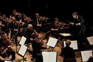 L'Orchestre de Paris et Klaus Mäkelä, son directeur musical désigné, font une réouverture enthousiasmante de la Philharmonie après cinq mois sans public