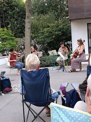 Outdoor engagement and energy: the Corran Quartet in Mozart, Haydn and Beethoven in an Islington courtyard