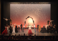 Français - Le Ballet royal de la Nuit brille de mille feux au Théâtre des Champs-Élysées