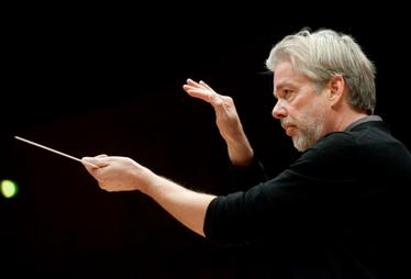 COMPTE-RENDU, concert. MONACO, Auditorium Rainier III, le 1er novembre 2020. Orchestre Philharmonique de Monte-Carlo, Sergej Krylov (violon), Jukka-Pekka Saraste (direction).