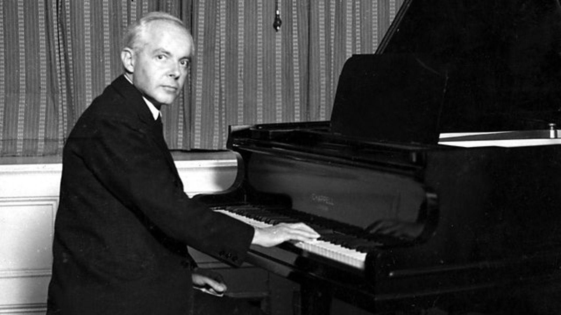 Bartók's Suite, Op. 14: The Percussive Piano