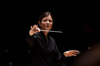 Portrait de Debora Waldman, directrice musicale de l'Orchestre National Avignon-Provence