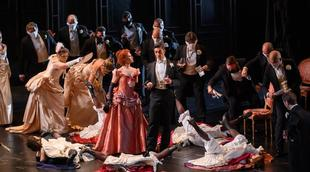 Français - La Traviata au Liceu : l'art des silences