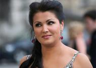 Français - L'Angleterre se reconfine, la ROH annule Tosca avec Anna Netrebko