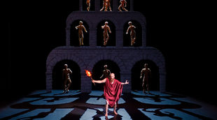 Français - Titon et l'Aurore bêlent de jour à l'Opéra Comique
