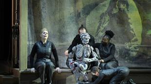 Français - Rencontre avec Lotte de Beer, metteuse en scène d'Aïda à l'Opéra national de Paris
