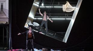 Français - La Voix humaine – Point d'orgue : un diptyque secoué au Théâtre des Champs-Élysées
