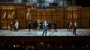 Français - À l'Opéra de Paris, une création mondiale du Soulier de satin qui s'appuie trop sur son texte