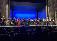 Français - Court Gala lyrique contre Grand-Opéra à Marseille