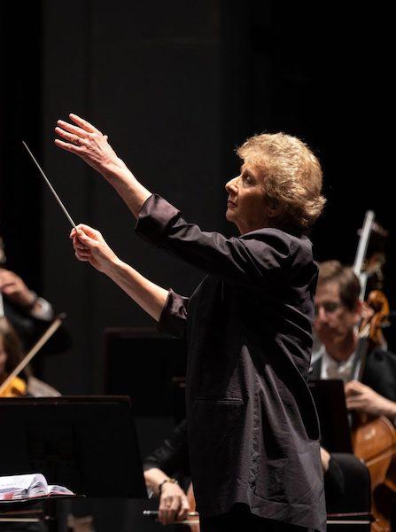 Glover brings crisp stylistic authority to Music of the Baroque's Handelian opener