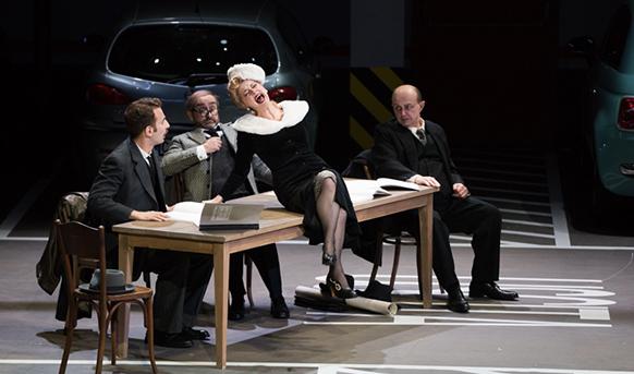 Compte-rendu opéra. Lyon, Opéra de Lyon, le 4 juillet 2017. Donizetti, Viva la  mamma. Laurent Naouri (Mamma Agata), Lorenzo Viotti (direction), Laurent Pelly (mise en scène).