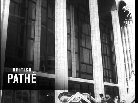 Metropolitan Opera House Moves   (1966)