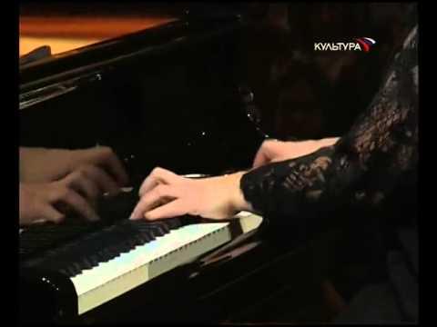 Eliso Virsaladze plays Liszt's Spanish Rhapsody