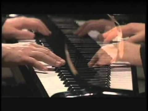 Alexander Frey plays piano music of Erich Wolfgang Korngold