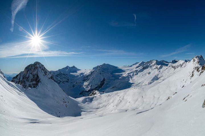 Foto dalla piste da sci Adamello Ski