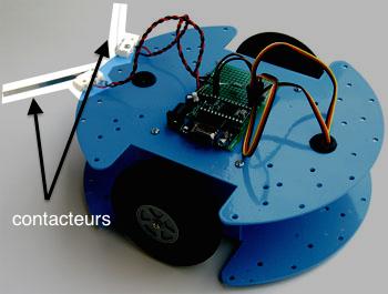 Les contacteurs à l'avant du robot agissent comme des moustaches (www.elektormagazine.fr)