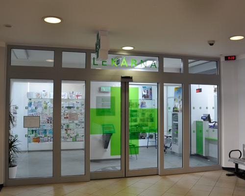 Protipožární stěny a automatické dveře