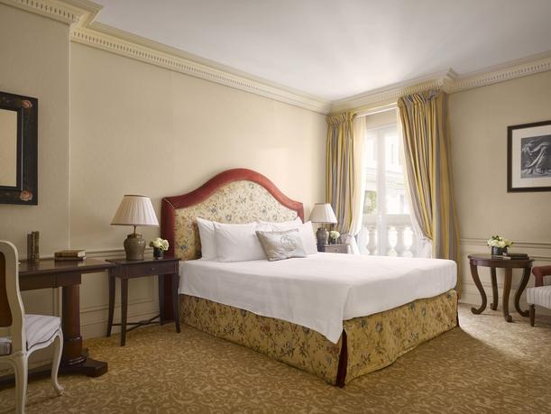 Metropole Hotel - Deluxe Room